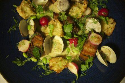 flanc de porc braisé grillé et palourdes