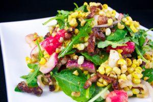 salade de mais, lardons et radis marinés