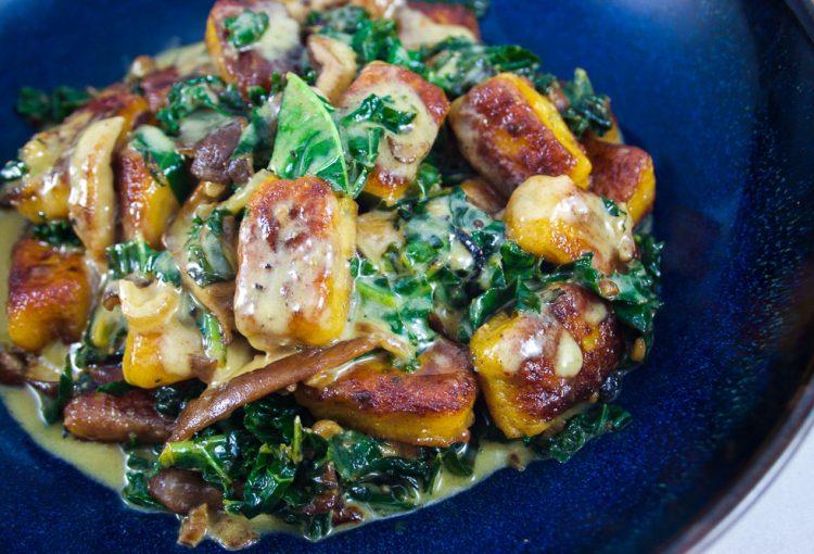 Gnocchi de carottes, shitake et kale