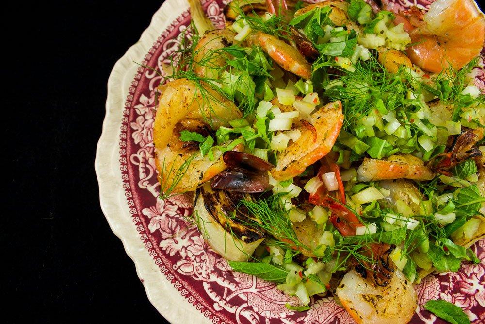 Crevettes papillon, fenouil confit & salsa croquante