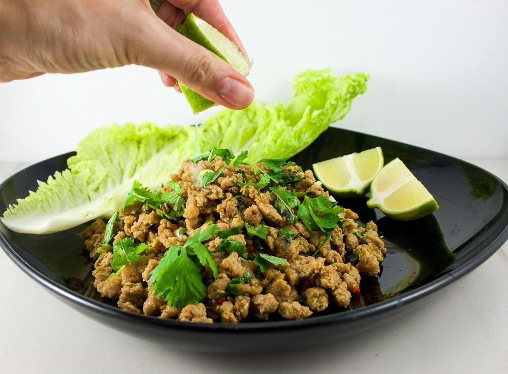Larb (Salade thailandaise de poulet haché)
